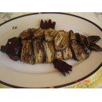 Баклажанный рулет с рыбным филе и овощами