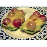 Гренки с пастой из авокадо