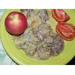 Куриная печень со сливками и яблоками