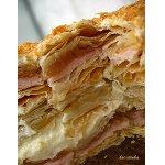 Слоеный торт с яблоками и заварным кремом