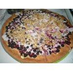 Пирог с брусникой, иргой и грецкими орехами