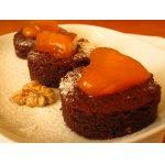 Брауни с хурмой и грецкими орехами