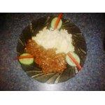Картофельное пюре с фетой и мясным соусом