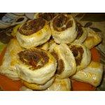 Слоеные пирожки с печенью
