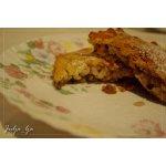 Рисовый пирог-запеканка с орехами и изюмом