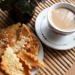 Калмыцкий дуэт: солeный чай с лакумами