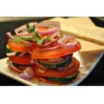 Салат из помидоров и огурцов по-испански