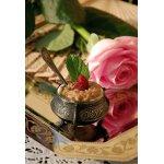 Десерт Розовый крем из лепестков роз