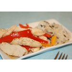 Куриное филе с тушеными овощами в соевом соусе