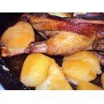Утка, фаршированная картофелем