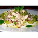 Салат из курицы, сельдерея и винограда