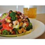 Овощной салат с морепродуктами Ривьера
