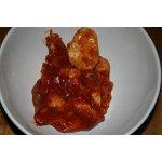 Курица тушеная в томатном соусе с оливками