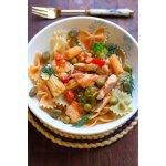 Фарфалле (бантики) с неаполитанским томатным соусом