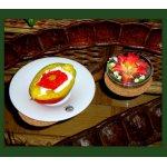 Манго со сливками и красной икрой
