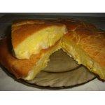Пирог с сыром, луком и яйцом