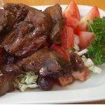 Горячий салат из куриной печени
