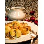 Картофельные кнели с брынзой под грибным соусом