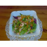 Салат с креветками, морковью и огурцом