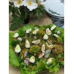 Салат из брокколи и перепелиных яиц