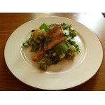 Салат из картофеля с беконом и щавелем