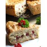 Пирог с начинкой из капусты и смородины