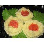 Картофельные гнездышки с соленой семгой