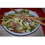 Хрустящий салат из свиных ушей