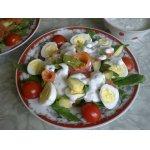 Салат с рукколой, авокадо и семгой