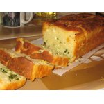 Сырный хлеб с луком и яйцом