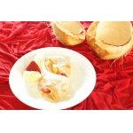 Кокосовые блины с ананасом и клубникой