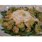 Салат с голубым сыром и виноградом