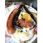 Аджапсандал в баклажане с яйцом для завтрака