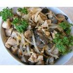 Салат из проростков фасоли с куриным филе
