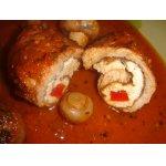 Крученики с грибами и красным соусом
