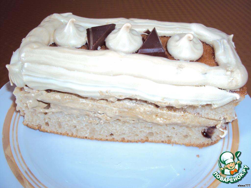 Бисквит на клубничном йогурте и пирожные из него