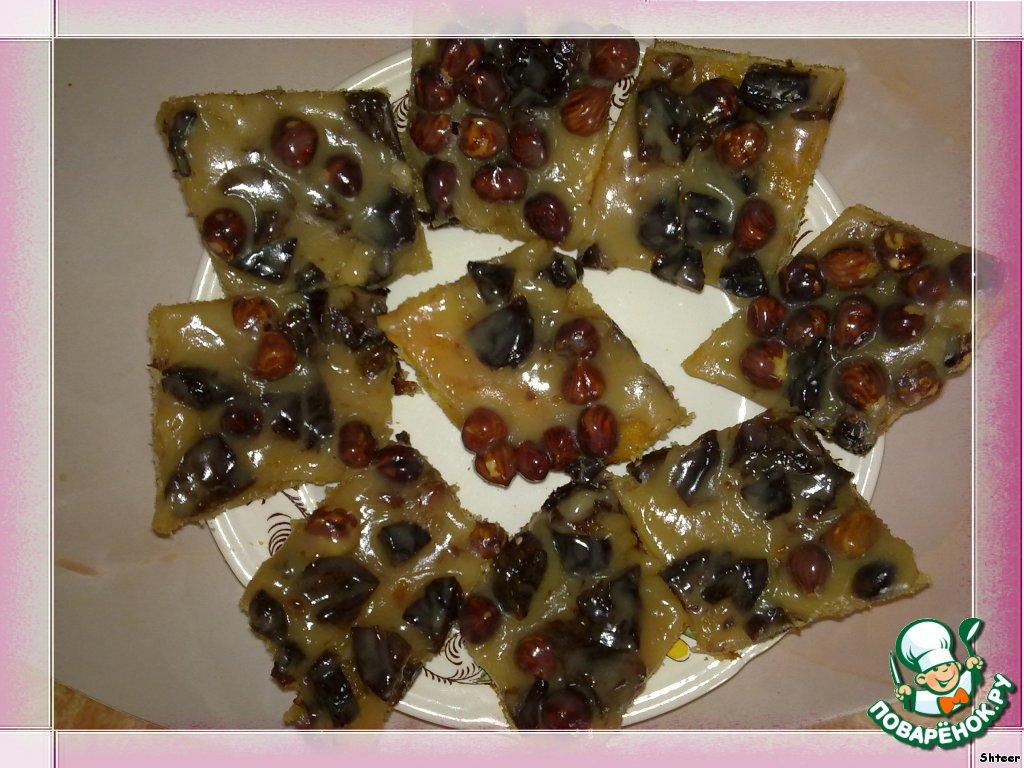 Нежные пирожные с орехами и черносливом