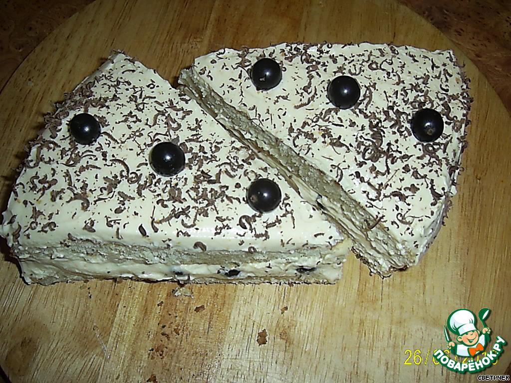 Бисквитно-творожное пирожное с чeрной смородиной