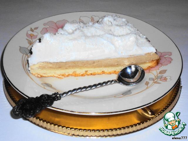 Бисквит с кофейным парфе и кремом-безе