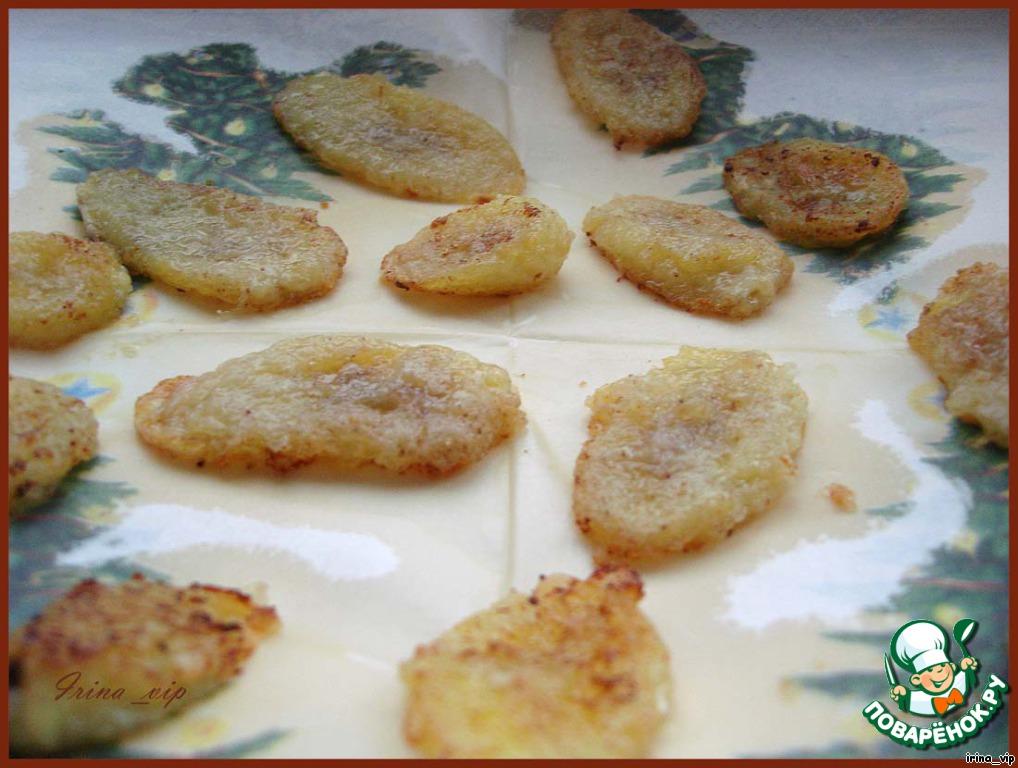 Жареные бананы с орехово-винным соусом