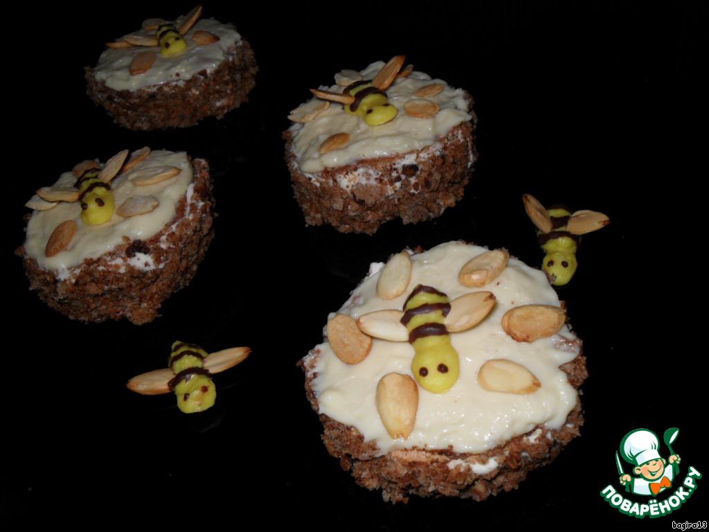 Пирожное Пчелка