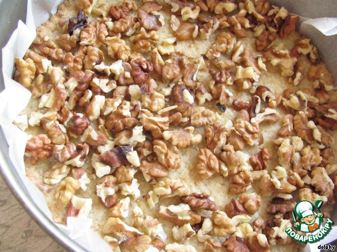 Творожный торт с карамелью и орехами