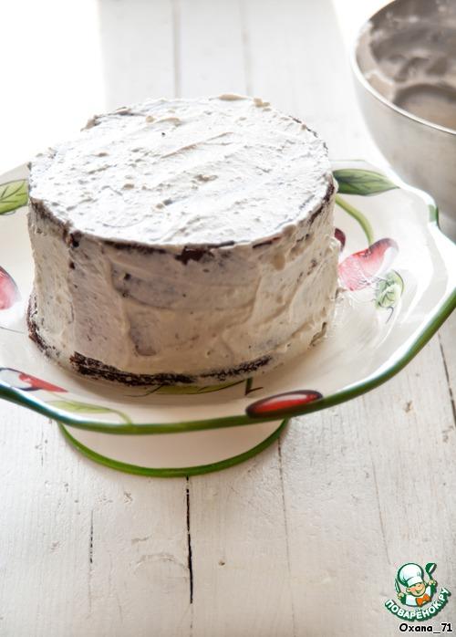 Торт с клубникой, ревенем и кремом