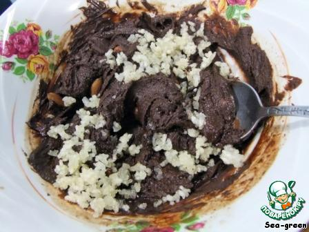 Хрустящий шоколадный туррон с воздушным рисом и миндалем