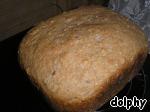 Готовый хлеб достаем и остужаем на решетке.