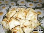Слоеные пирожки с колбасой и сыром – кулинарный рецепт