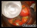 Салат из маринованных бурых помидоров – кулинарный рецепт