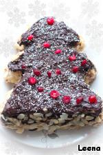 Второй торт я приготовила точно также, но украсила расплавленным шоколадом и ягодами клюквы.