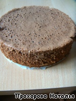 Pre-bake the cake. I usually bake the day... it's much nicer to work, if he could stand, rest, say so.  Can use this recipe http://www.povarenok .ru/recipes/show/568 24/  The cake turns out awesome!