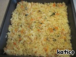 For casseroles cooked rice is distributed on the baking pan evenly